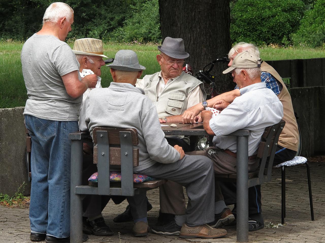 Zunehmend sind Männer Teil von Seniorentreffen