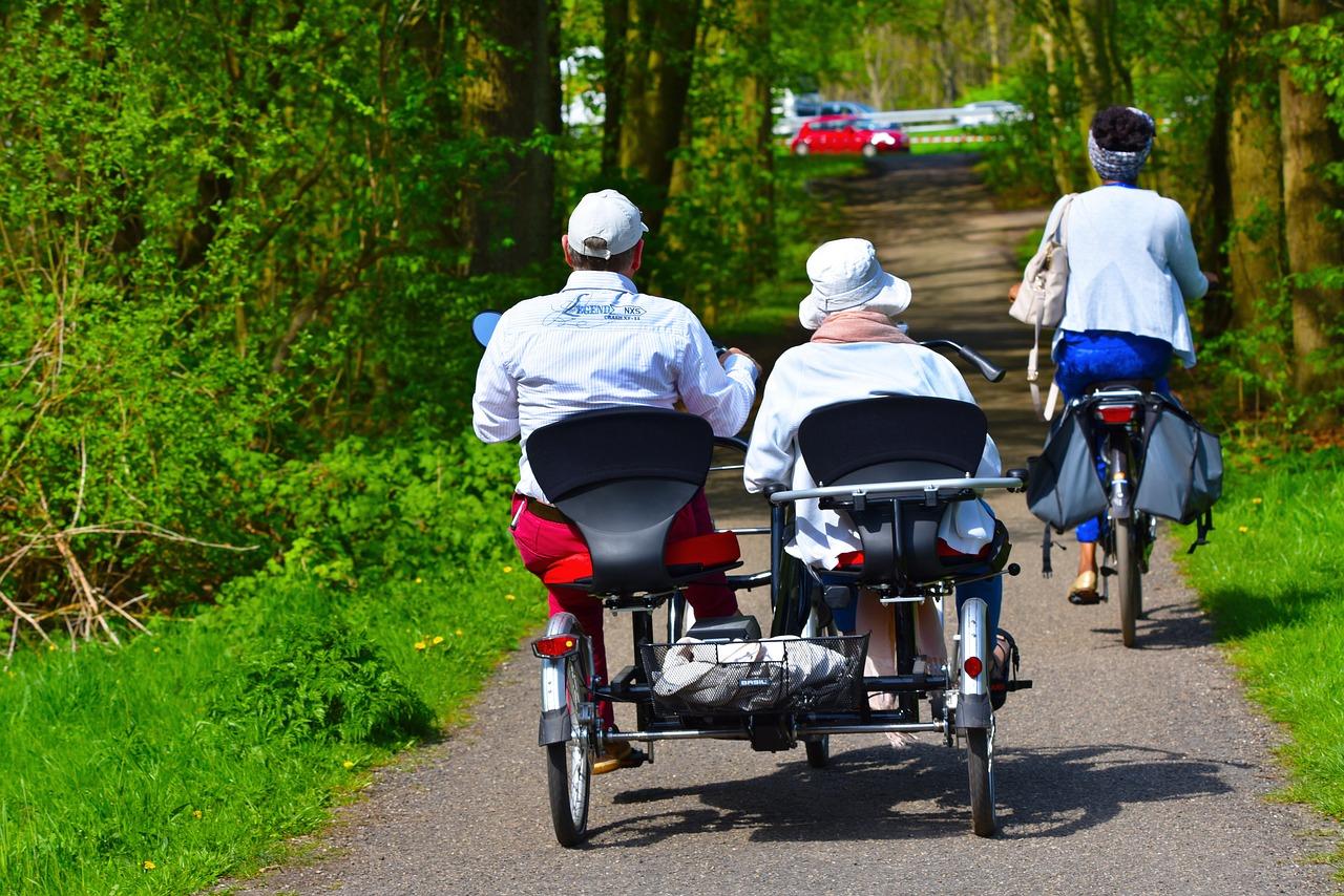 Der Langeweile im Alter mit einem Fahrradausflug entgegenwirken