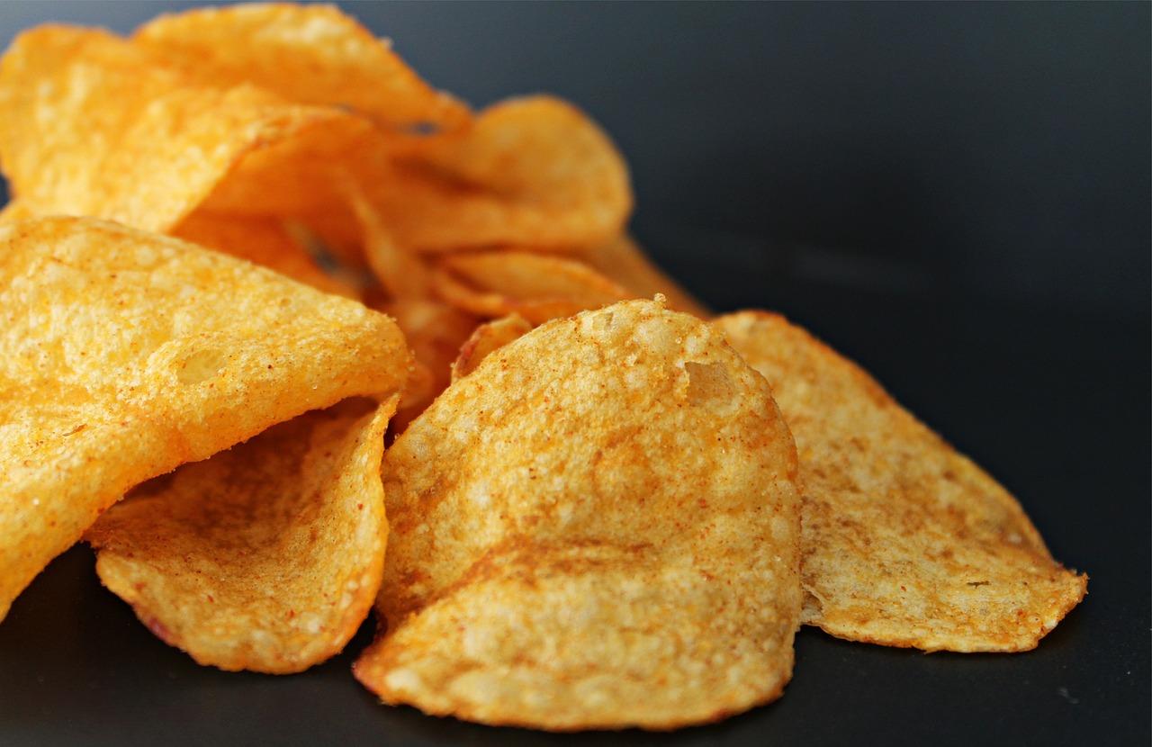 gesättigte Fettsäuren finden sich in Chips sowie fertiges Fingerfppd und Fastfood