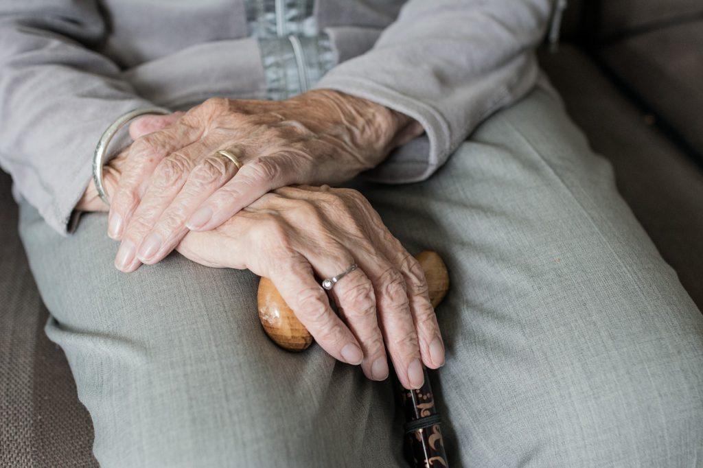 Ruhe im Alter dank Seniorensessel – Ruhe-, Relax- und Entspannungssessel für Senioren
