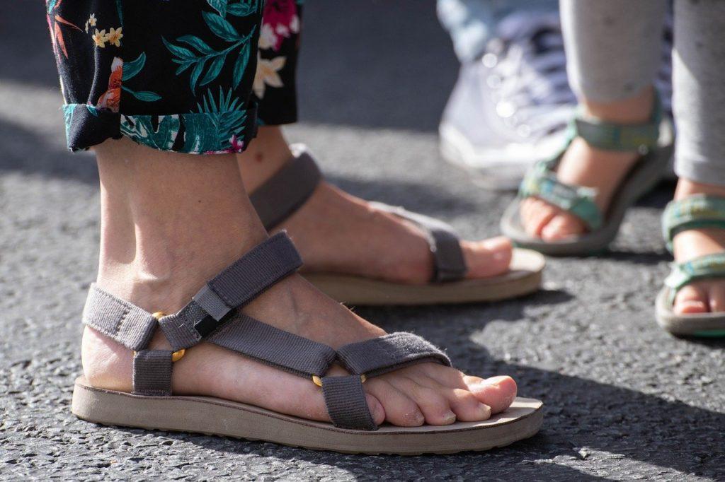 Auf gesunden Füßen durch den Sommer!